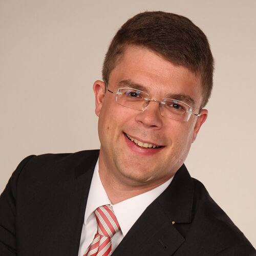 Diplom-Kaufmann Axel Scrhröder